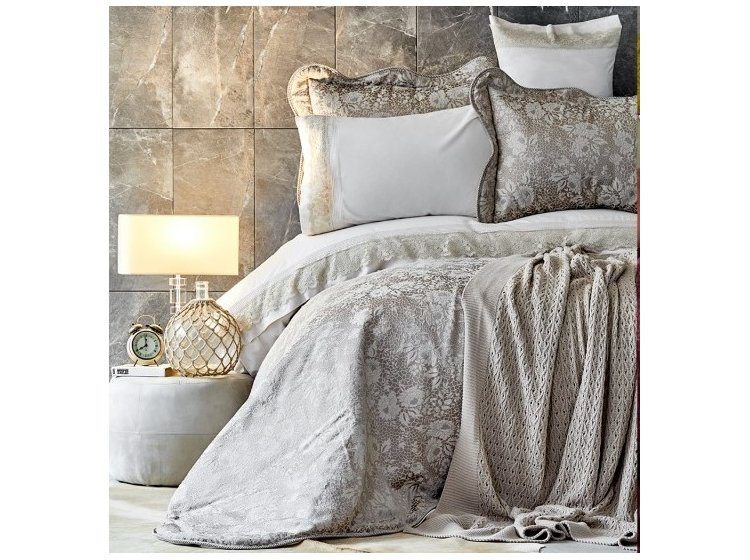 Постельное белье с покрывалом и пледом Karaca Home. Ennea gold 2019